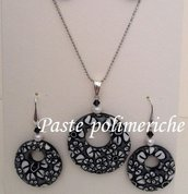 Parure :Orecchini+ collana in pasta polimerica murrine bianco/nero