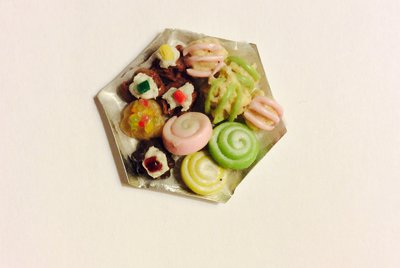 Vassoio pasticcini in fimo dollshouse miniature
