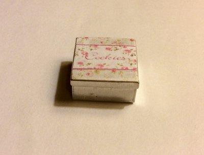 Scatola in latta dollshouse miniature