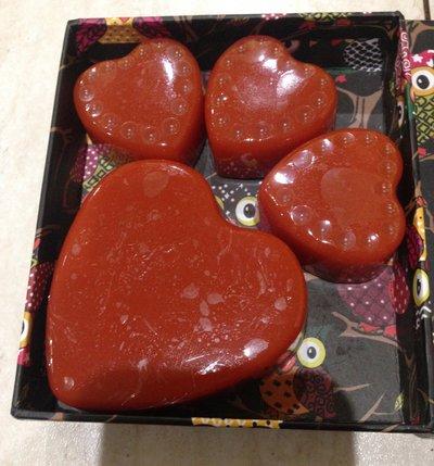 Confezione regalo 4 cuori sapone