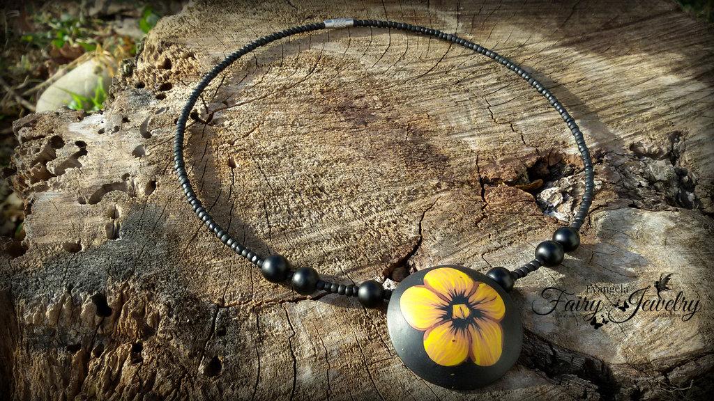 Collana perle bombate fatte a mano in fimo  fiori nero girocollo perline antiallergico