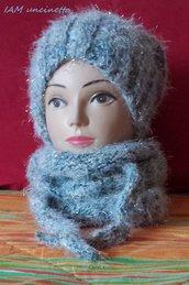 NEVE berretto cappello in misto lana ai ferri bianco azzurro luccicante