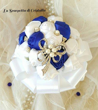 Piccolo Bouquet gioiello rose bianco/blu
