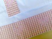 Lenzuolino per culla o carrozzina con ricamo ' Broderie suisse' rosa