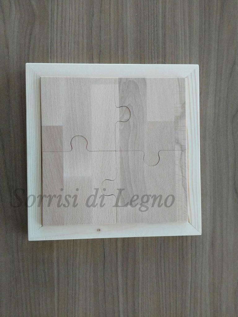 Sotto pentola in legno di faggio a forma di puzzle con pezzi scomponibili