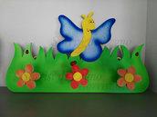 Appendi abiti per cameretta in legno con farfalla blu