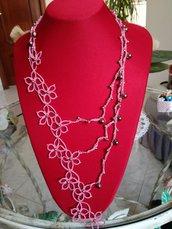 Collana lunga rosa in chiacchierino