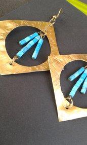 Orecchini in ottone con pietre turchesi