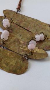 Collana in ottone con pietre quarzo rosa