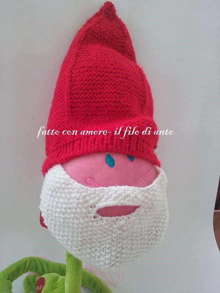 Cappello in lana a punta con barba