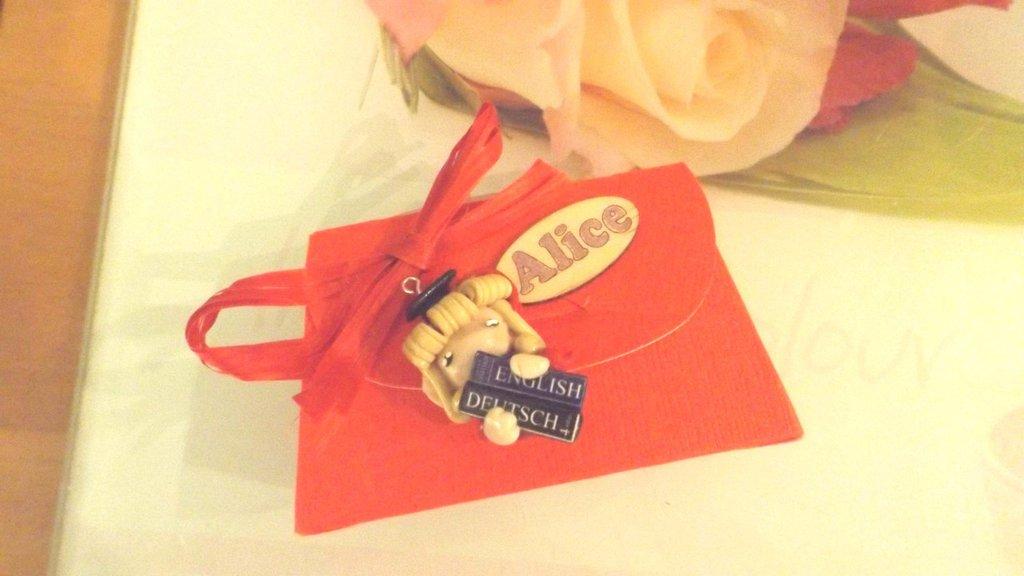 BOMBONIERA COMPLETA  LAUREA - FOLLETTA LAUREATA LAUREA LINGUE e CARTIGLIO   porta confetti- scatola confetti - sacchetto confetti FIMO