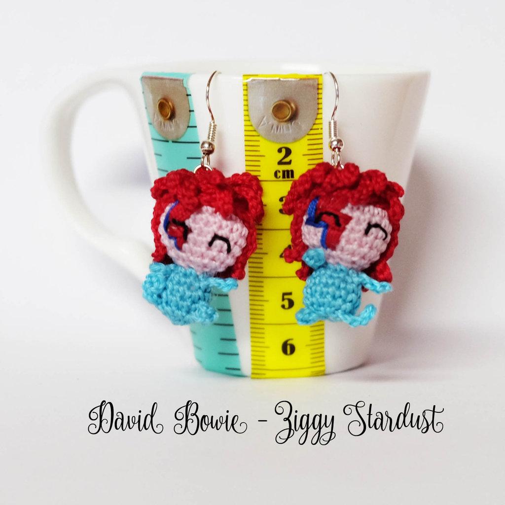 David Bowie orecchini amigurumi uncinetto Ziggy Stardust