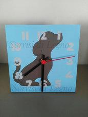 Orologio con cane in legno da scrivania per cameretta