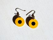 Orecchini Dischi Vintage '70 giallo nero, pendenti in legno