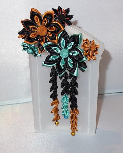 Tsumami kanzashi tradizionale colore nero, turchese,ocra