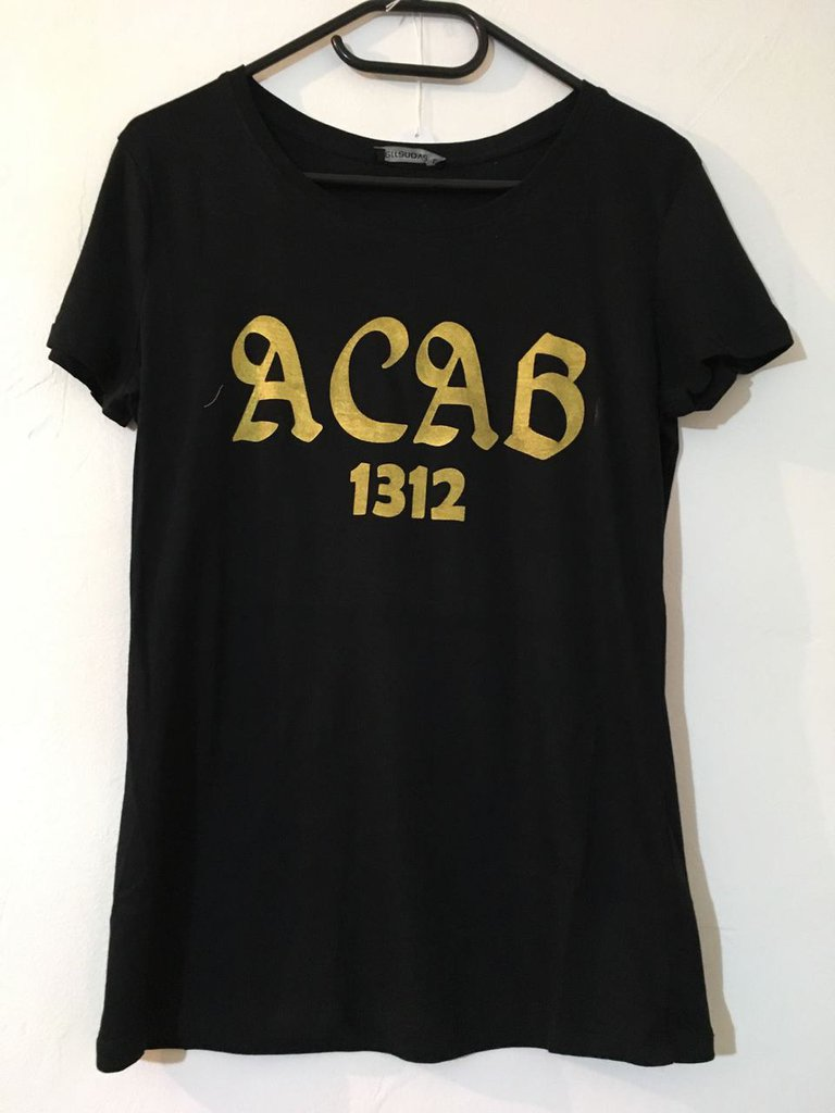 T-Shirt modello ACAB (nera)