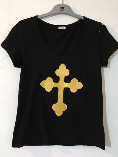 T-shirt modello croce