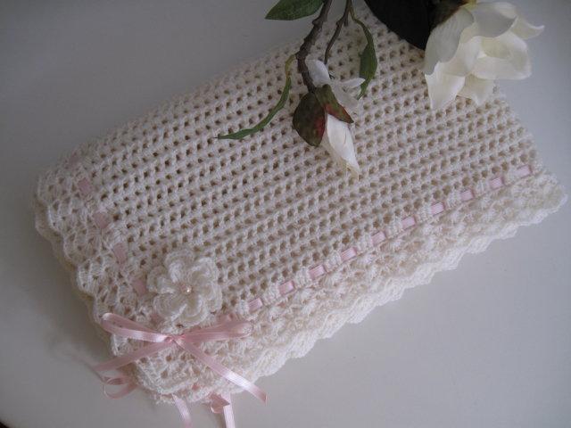 Copertina neonata lana color panna nastro rosa fatta a mano idea regalo corredino nascita battesimo cerimonia uncinetto