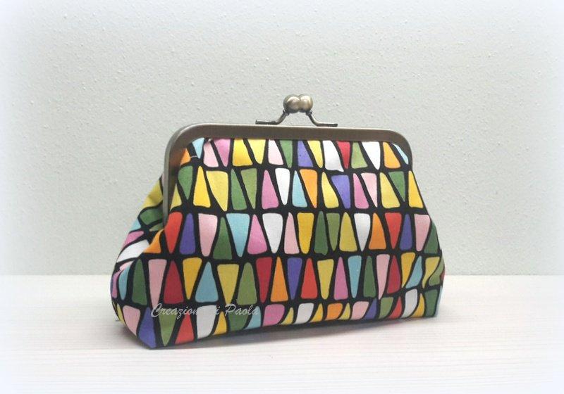 Borsellino con chiusura metallica e stampa a triangoli colorati