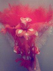 bouquet a forma di ventaglio con fiori di perline