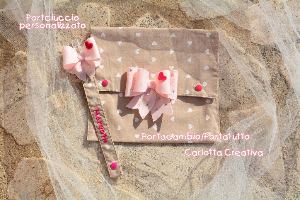Set Nascita Fiocco e cuoricini / Portacambio - portatutto e portaciuccio