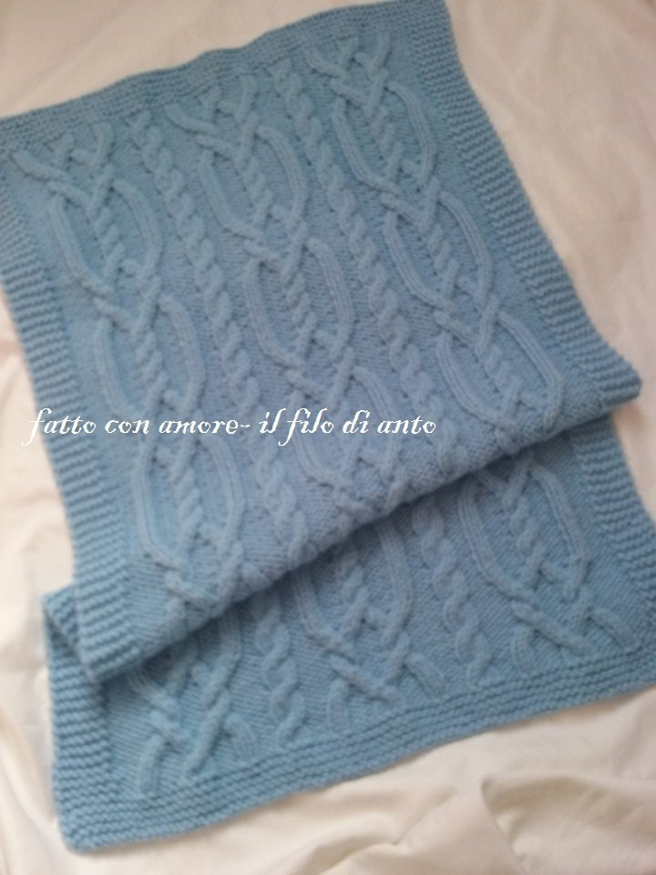 Copertina per culla in lana azzurra con trecce bambini for Culla azzurra