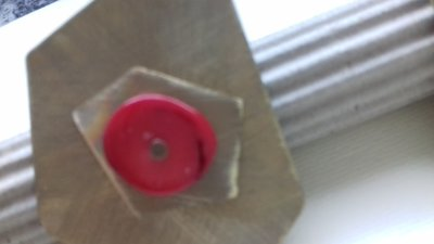 Anello in ottone con pietra in corallo bambù