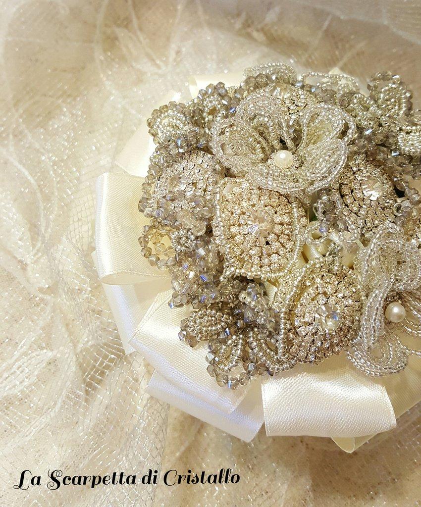 Bouquet gioiello di strass e perline