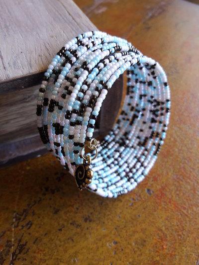 Bracciale armonico toni pastello, bracciale di perline, bracciale rigido, idea regalo per lei