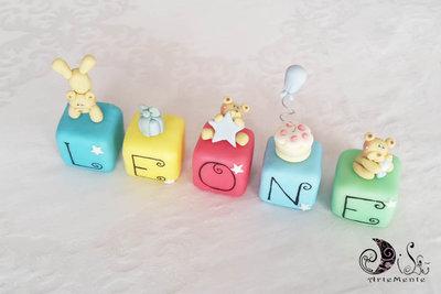Cake topper cubi con orsetti Multicolor personalizzato 5 cubi 5 lettere Leone