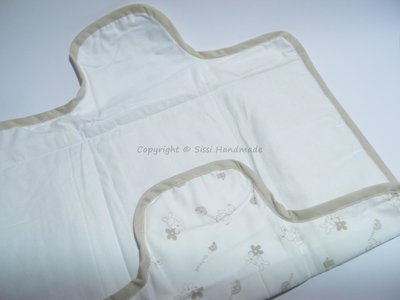 Torta di pannolini e fasciatoio in coordinato, idee regalo per neonati