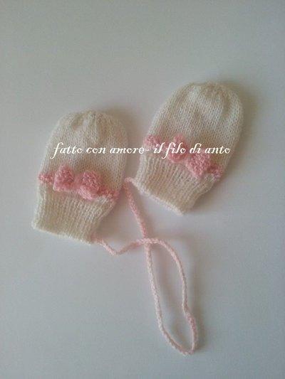 Muffole /guanti con fiocco in lana fatti a mano