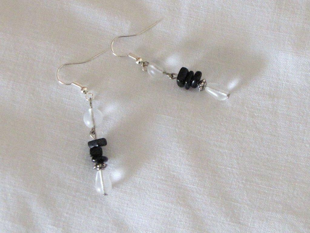 Orecchini trasparenti con ossidiana nera