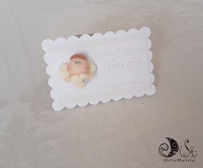 Card Art etichetta segnaposto battesimo, comunione angelo con cuore bimbo bianco e avorio