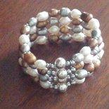 BRACCIALE alto con perle di fiume bianche, grigie e bronzo