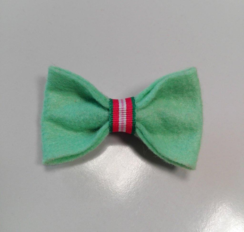 Fermaglio per capelli in pannolenci verde