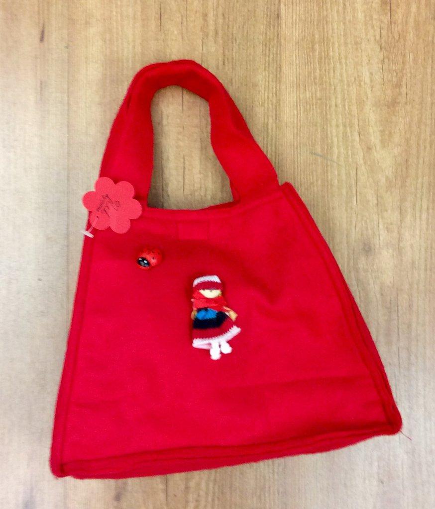 Borsa bambina in feltro rossa con bambolina applicata
