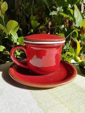 Tisaniera in ceramica, smalto rosso. Accessori da tavola. Fatto a mano. Le ceramiche di Ketty Messina.