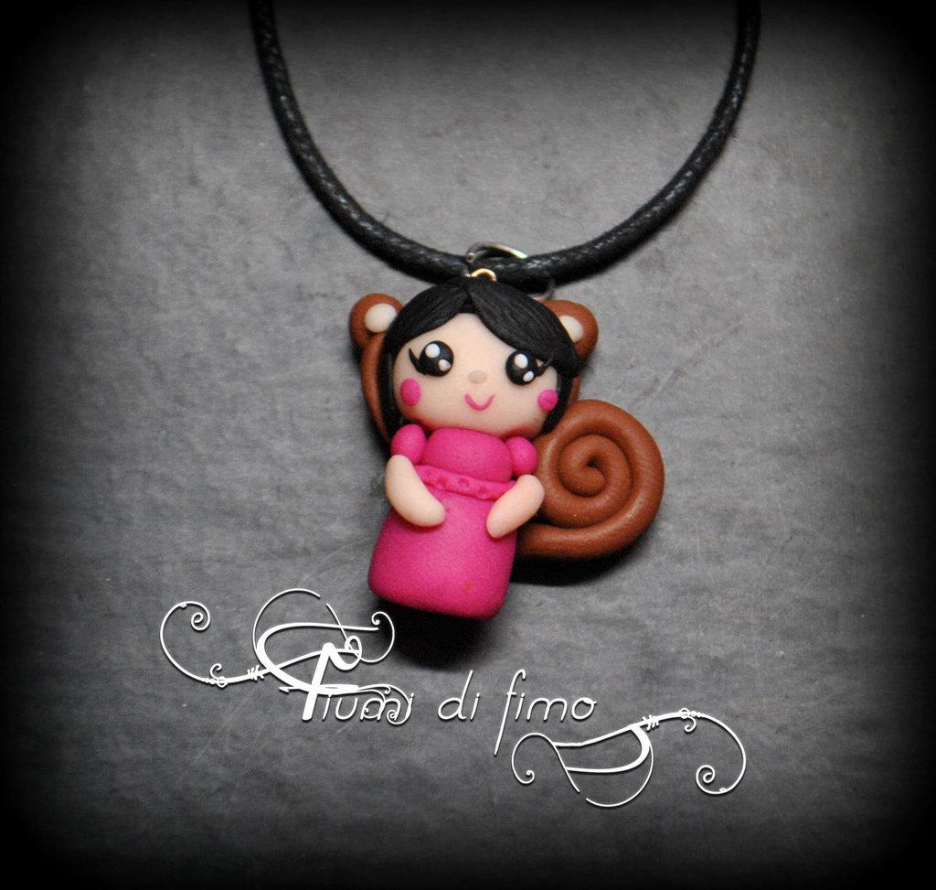 ciondolo bambolina in fimo -squirrel's doll-| ciondolo bambolina fimo| bambolina scoiattolo fimo| ciondolo bambolina fimo| bambolina fimo|