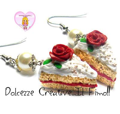 Orecchini fette di torta con rose - marmellata alle fragole e panna