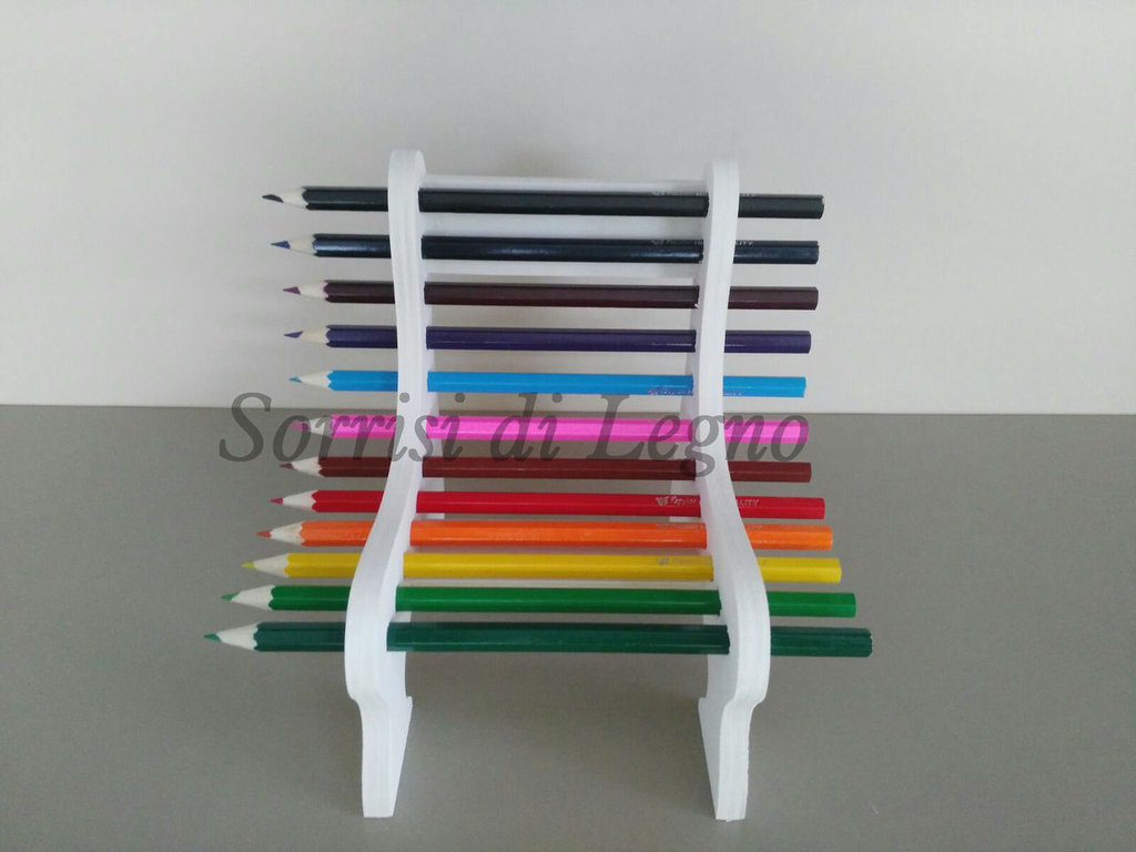 Panchina in legno porta pastelli
