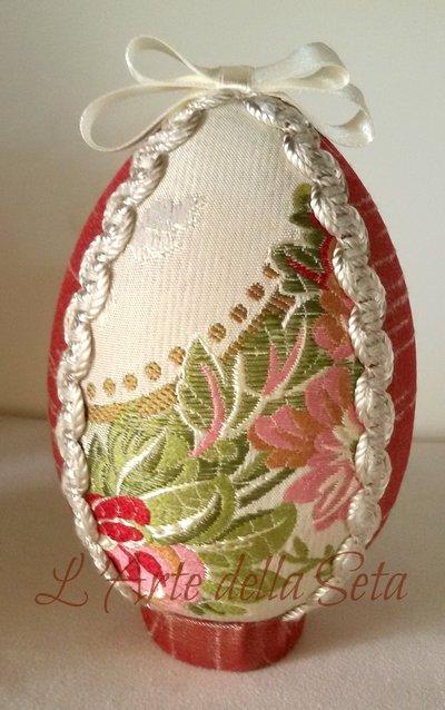 Uovo piccolo in seta di San Leucio