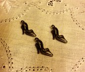Ciondolo a forma di scarpetta color bronzo antico