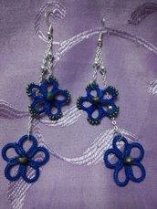 Orecchini pendenti doppio fiore