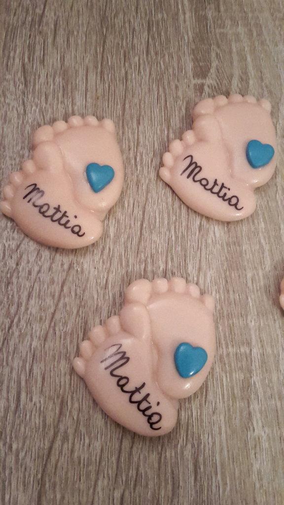 Piedini neonato con cuore