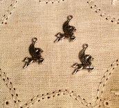 Ciondolo cavallo alato in argento antico