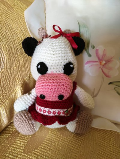 Piccola mucca amigurumi