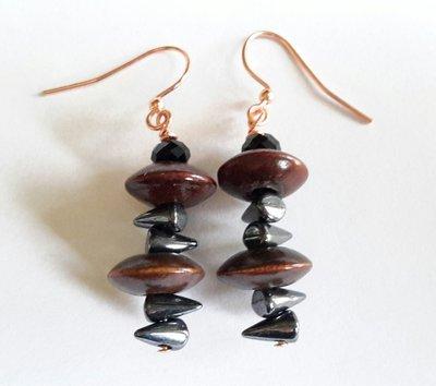 Orecchini con perline in vetro e legno