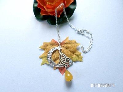 collana ciondolo autunno con pietra di ambra