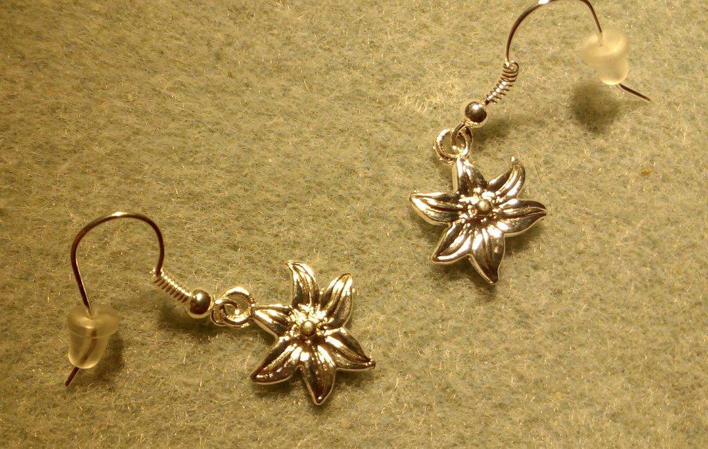 Orecchini fiore argento
